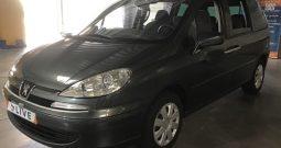 Peugeot 807 2.0 HDi Tendance